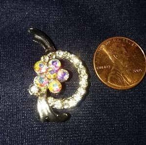 Pretty Vintage Brooch
